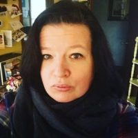 Ang'dora Signs Author Colleen Nye
