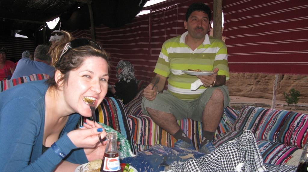 Cu ATV-ul prin deșert - cina la beduini