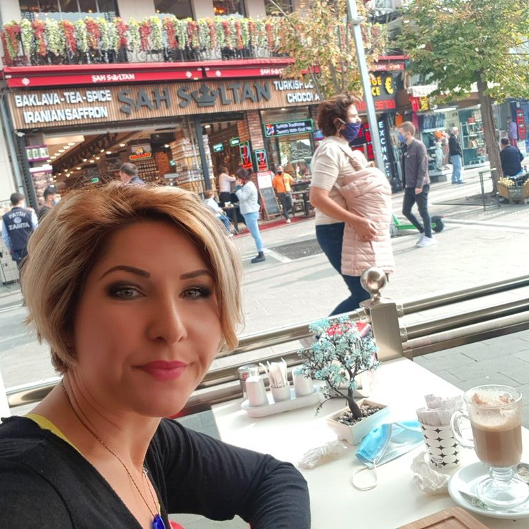 Singură prin Istanbul