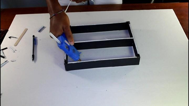 Nail Polish Stand DIY