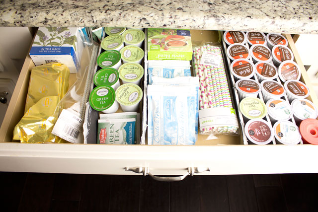 coffee bar drawer organization on angelaeast.com #homedecor #coffeebar #coffeestation