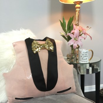 DIY Tuxedo Sequin Pillow #homedecor #budgethomedecor on angelaeast.com