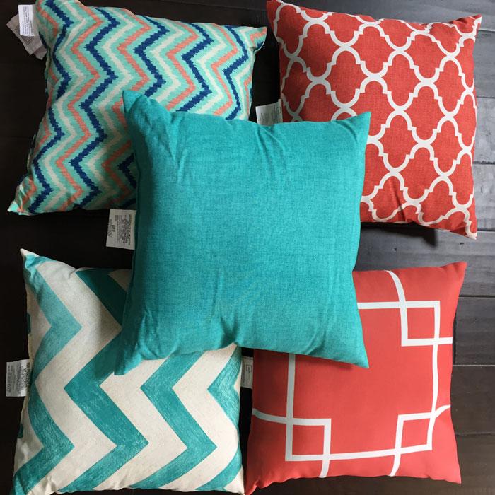 Outdoor Living - Patio Makeover | Home Decor | DIY | Patio Decor | Deck Decorations | Porch Decorations | Pallet Furniture | Gardening