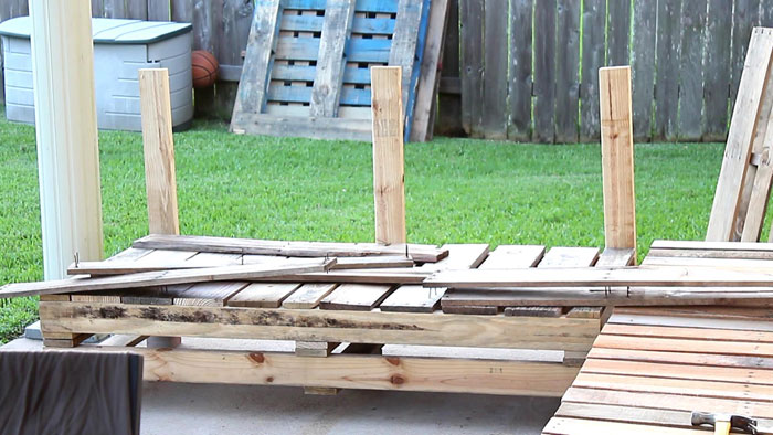 Pallet Furniture DIY Patio Sectional Page 5 Angela East