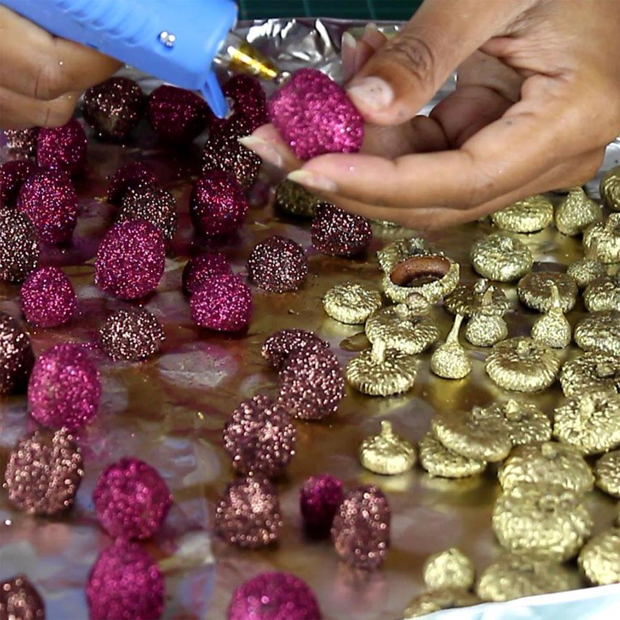 DIY Fall Decor - Glitter Acorns | Home Decorations | Fall Crafts | Seasonal Decor
