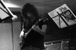 Maximiliano Caballero es el tercer murciano del cuarteto, estudia Guitarra Jazz en el Conservatorio Superior de Navarra.