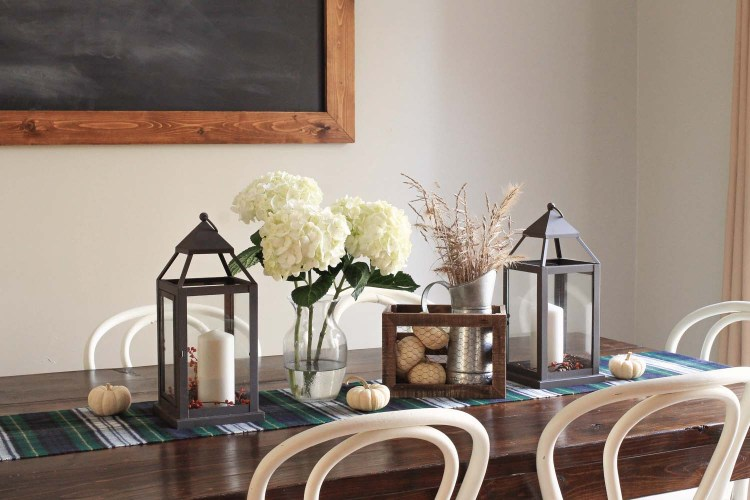 Cozy Thanksgiving tablescape