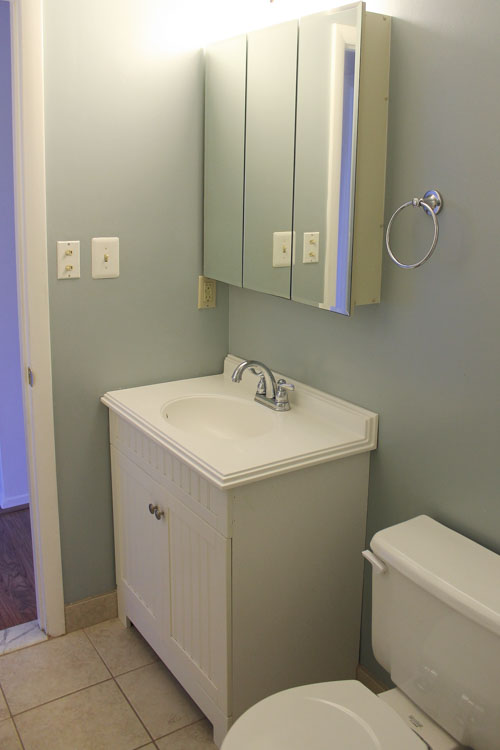 One Room Challenge - Master Bathroom - Before photos