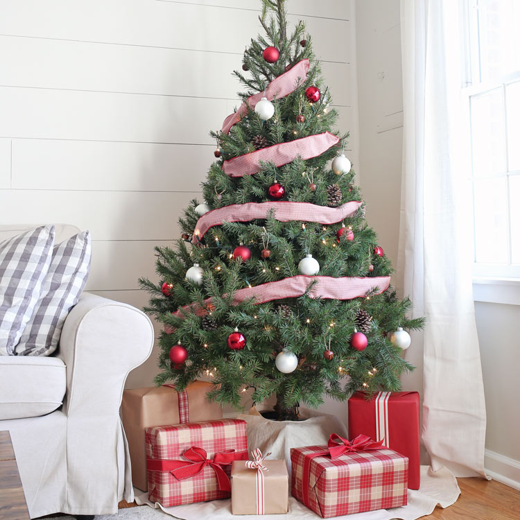 rustic red and white christmas tree decor