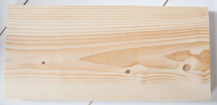 pine wood board that is unfinished