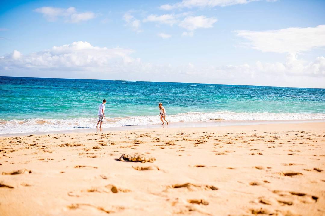Maui family photographer on the beach_0013