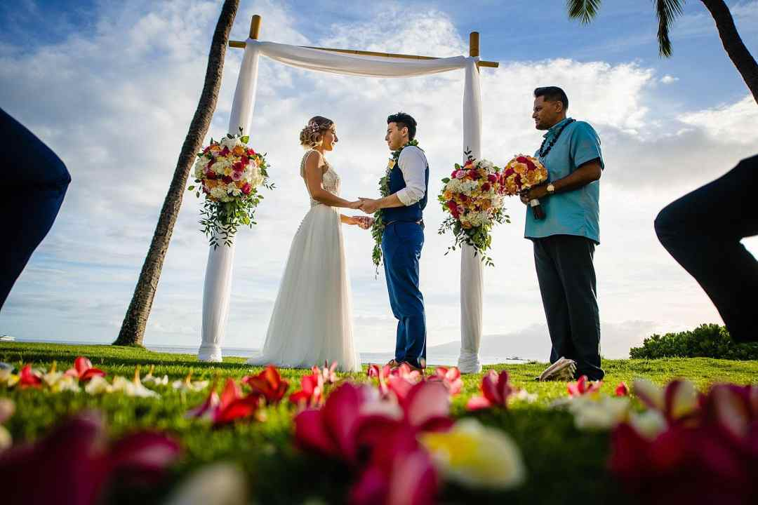 plumeria flower aisle at maui wedding