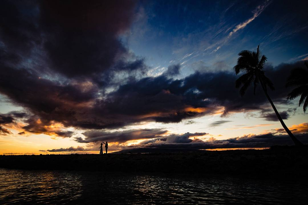 sunset silhouette at olowalu plantation house