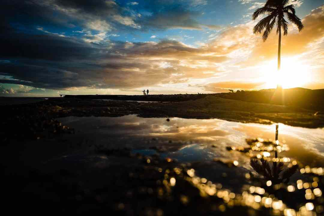 stunning Olowalu Plantation House wedding sunset portrait