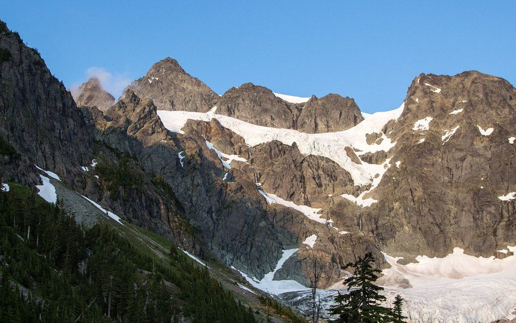 Mount Shuksan Fisher Chimneys route from Lake Ann camp