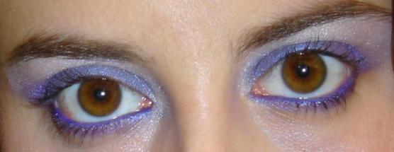 Il viola per gli occhi castani...