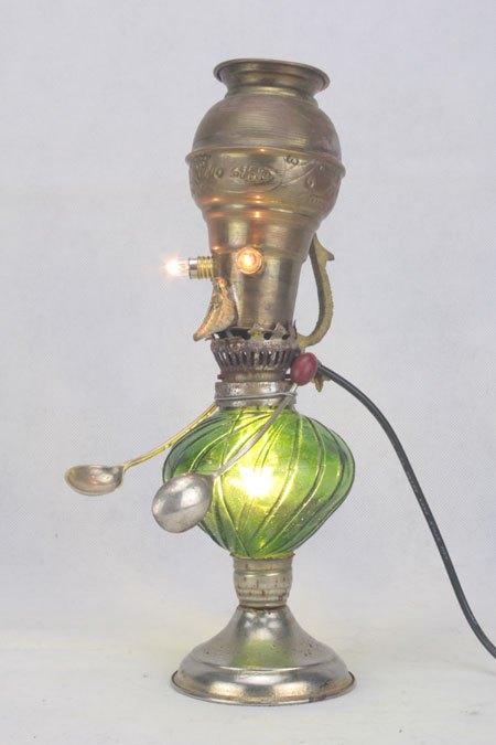 Cervert. Sculpture lumineuse assemblage de laiton et verre.
