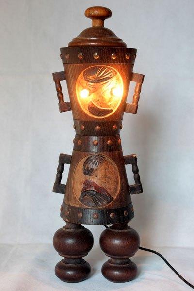 Paypop, Sculpture d'objets populaires en bois, assemblage de pots décoratifs couple de paysans.