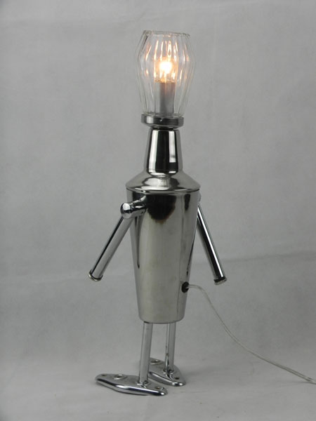 Skette. Robot shaker et sucrier, lampe détournement. Avec porte-serviettes décomposé.