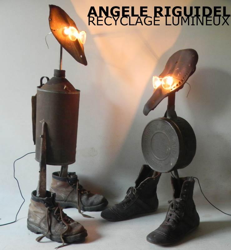 Sculpture objets détournés. Assemblage vélos, boites, godasses