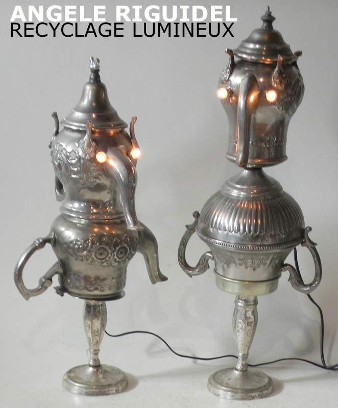 Sculptures personnages avec couronne en métal argenté, théière, pots, sucrier, bougeoir. lampe par assemblage