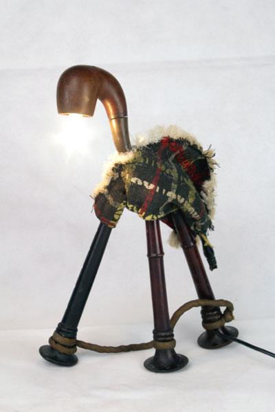Sculpture Animal à 3 pattes, assemblage cornemuse et pipe