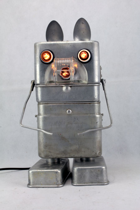 Sculpture assemblage d'objets en aluminium, robot gamelle