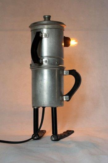 Le cafetier cafetière recombinée, assemblage avec manches en bakélite et couvercle.