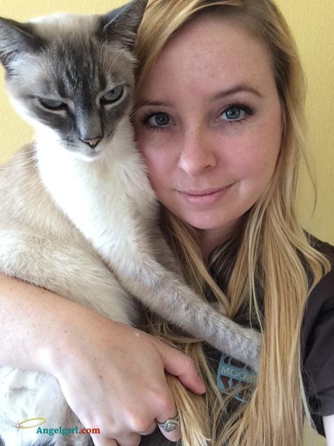 20140605-cat-hug-day