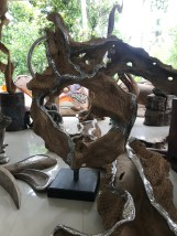 Angel House Ubud shopping trip for guests; wood and metal sculpture