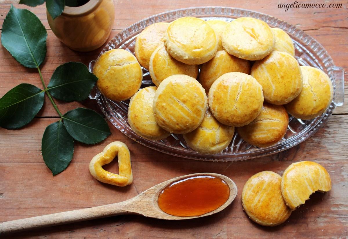 Biscotti al miele morbidi e leggeri