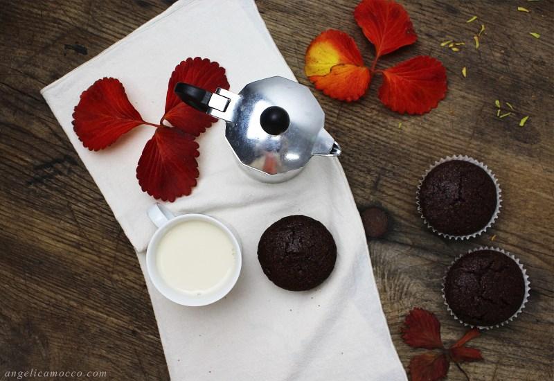 muffin al cioccolato ripieni di confettura senza glutine