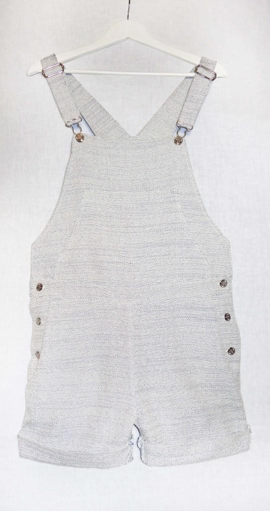 Salopette jambes courtes coton blanc gris bleu devant