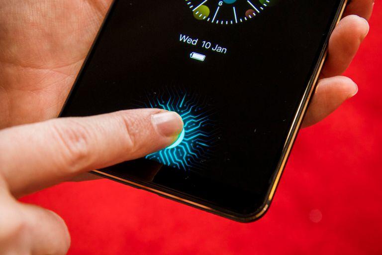 google-pixel-3a-vs-oneplus-6t-in-screen-fingerprint