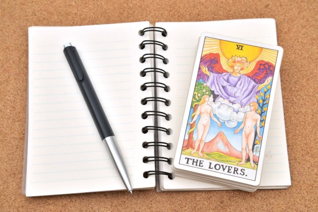 The Major and Minor Arcana in Love and Relationship Tarot Readings