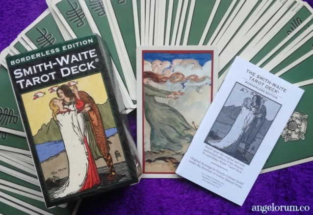 Borderless Smith-Waite Tarot deck review and interview