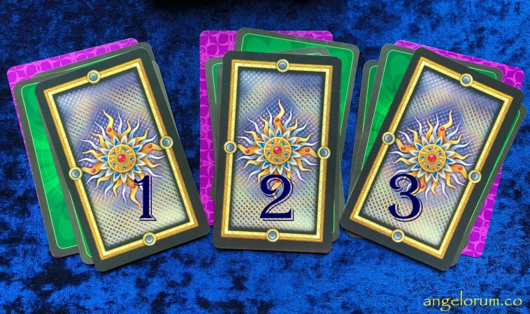 Pick-a-Pile Tarot Readings for the Weekend 20-21 July
