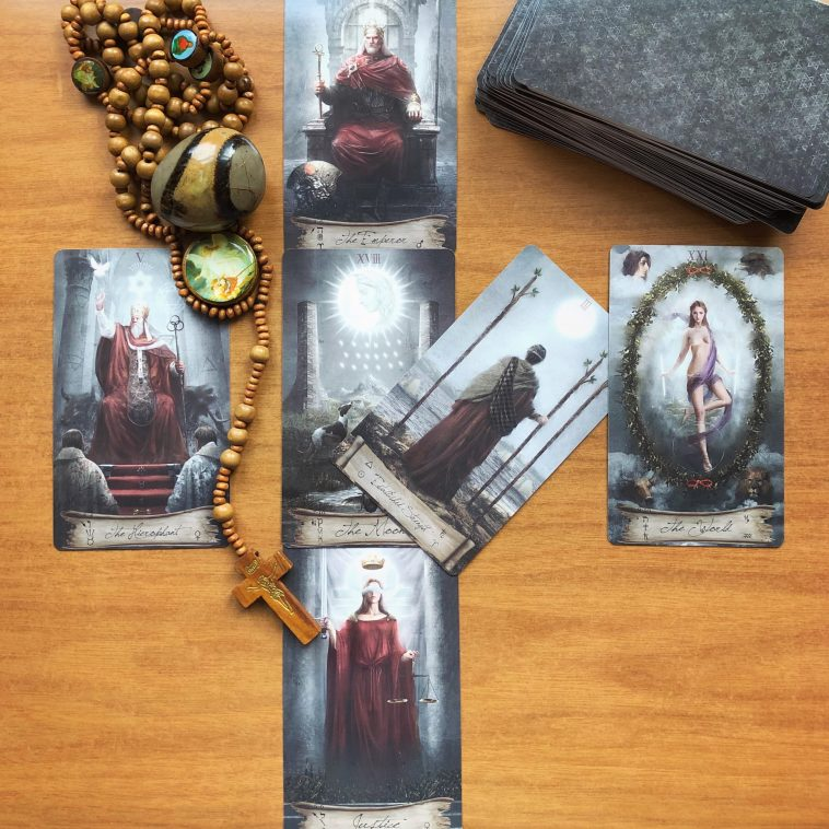 Heaven and Earth Tarot Review