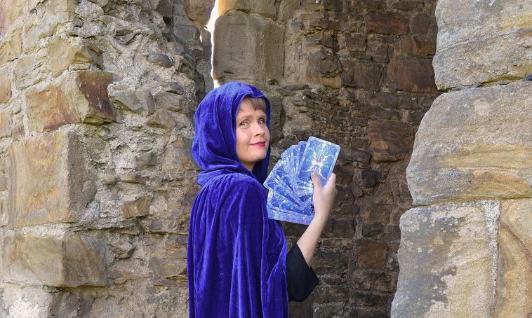 Angelorum Angelic Tarot and Healing Lisa Frideborg