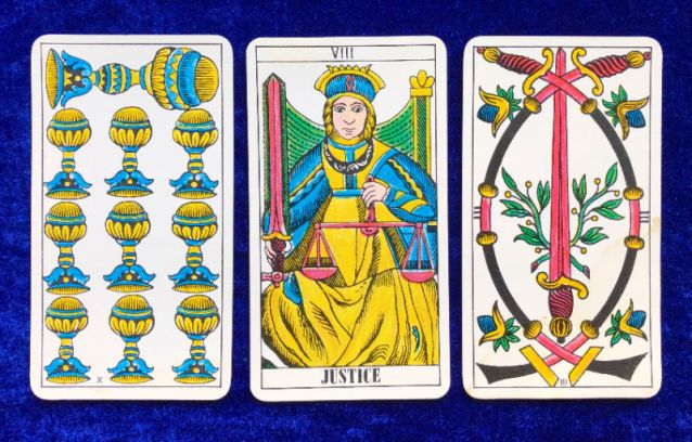 Tarot Classic Pick a Pile for the Week Ahead - pile 1