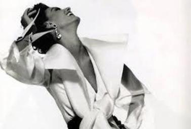 V&A STILISTI - CAMCIA FERRE' - the glamour of italian fashion - più femminile2