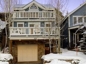 Park City Ski House, with 3br/3.5 baths, comes fully furnished.  12 month lease.
