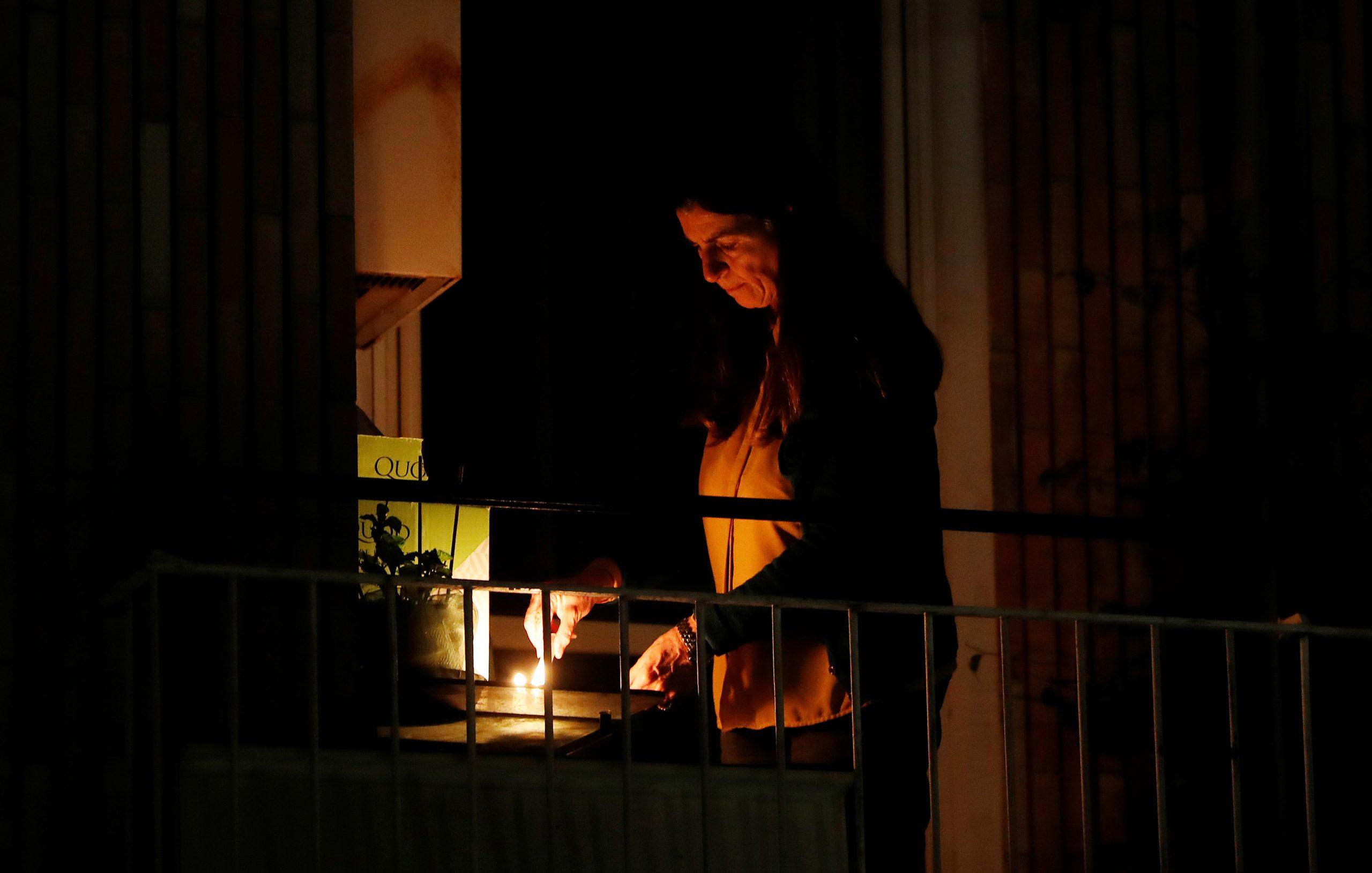 la catholics unite with light amid
