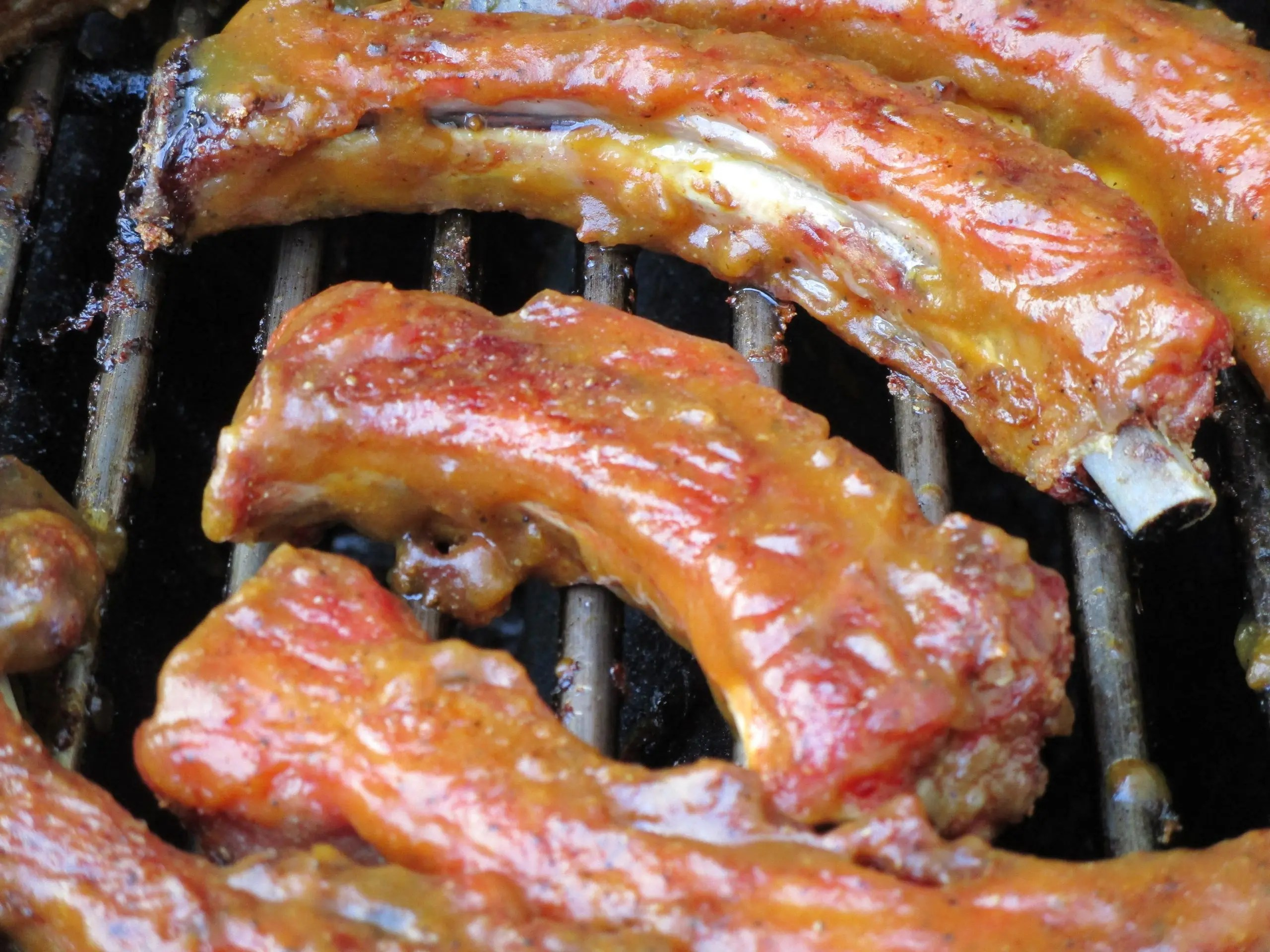 close up ribs with bbq sauce