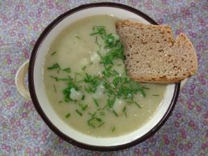 ...die frische, cremige Suppe kurz vorm Essen.