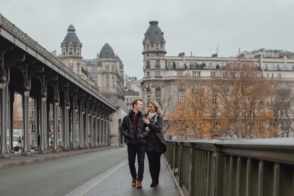Pont de bir-hakeim romantic photo