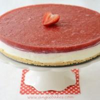 Nepečená torta s mascarpone a jahodovým želé