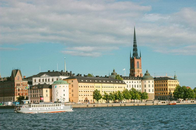 La vue sur Galan Stan depuis l'hôtel de ville de Stockholm