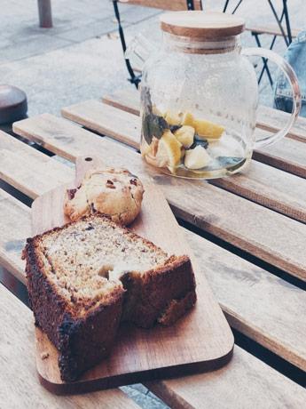 Un gouter au Prélude à Rouen avec une infusion et un banana bread