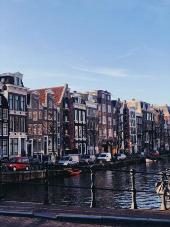 Canaux du quartier de Pipj à Amsterdam